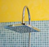 Detalles de los accesorios modernos de un cuarto de baño Imágenes de archivo libres de regalías