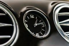 Detalles de lujo del interior del coche Imagen de archivo libre de regalías