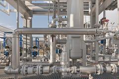 Detalles de una planta de tratamiento moderna del gas natural Fotos de archivo