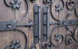 Detalles decorativos del hierro en estilo gótico Foto de archivo