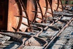Detalles del rastro metálico del carril del transporte Imagenes de archivo