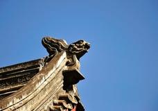 Detalles del top del tejado del templo Imagenes de archivo