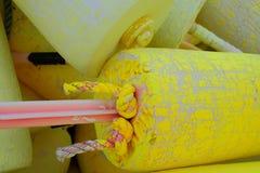 Detalles en un flotador amarillo de la langosta Fotografía de archivo libre de regalías