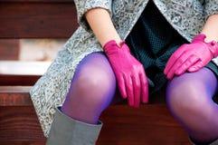 Detalles púrpuras femeninos de la moda Fotografía de archivo
