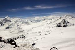 detcapped berg nå en höjdpunkt Royaltyfria Foton