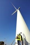 Detectando turbinas eólicas da instalação Imagem de Stock Royalty Free