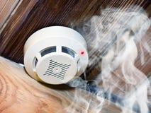 Detector de humo Imagen de archivo libre de regalías
