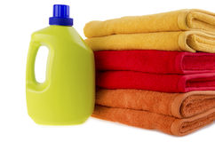 Detergens en handdoeken royalty-vrije stock fotografie