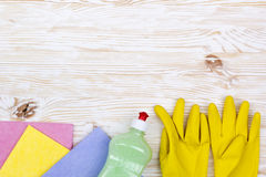 Detergent, rags and latex gloves Royalty Free Stock Photography