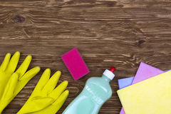 Detergent,sponges, rags and latex gloves Royalty Free Stock Images