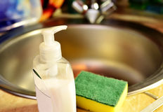 Detergente del lavaplatos, limpiador antibacteriano Imagenes de archivo