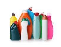 Detergentes no fundo branco fontes de limpeza imagens de stock royalty free