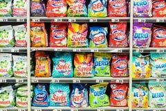 Detergenty Dla Pralnianego Cleaning Na supermarket półce fotografia royalty free