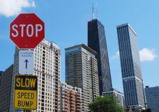 Determinando segno alla città Fotografie Stock Libere da Diritti