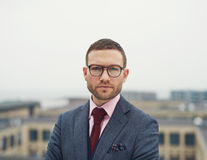 Determined intense young businessman Royalty Free Stock Photos