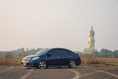 Determini un viaggio di automobile al grande Buddha della Tailandia in Ang Thong Fotografie Stock