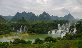 Free Detian Waterfall Stock Image - 33388201
