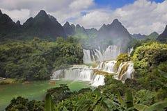 Detianwatervallen in China, als Verbod Gioc in Vietnam ook wordt bekend dat stock foto's