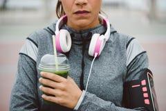 Detox smoothie dla zdrowego sprawności fizycznej odżywiania zdjęcia stock