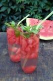 Detoxwasser mit Wassermelone und Minze Lizenzfreie Stockfotos