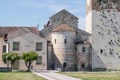 Detrás de la abadía romana Foto de archivo