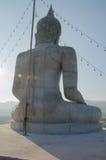 Detrás de la imagen de Buda del estuco Fotos de archivo libres de regalías