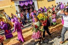 Detrás de la procesión prestada, Antigua, Guatemala Fotos de archivo