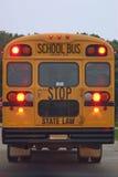 Detrás del autobús escolar imágenes de archivo libres de regalías