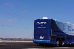 Detrás del omnibus de campaña de Romney Imágenes de archivo libres de regalías