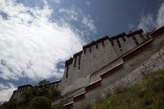 Detrás del Potala Foto de archivo libre de regalías
