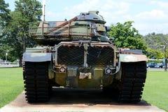 Detrás del tanque de ejército Foto de archivo