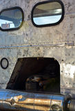 Detrás del taxi viejo del camión Imagenes de archivo