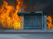 Detrás enorme de la parada y del fuego de autobús él Foto de archivo libre de regalías