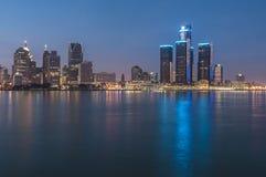 Detroit alla notte Immagini Stock