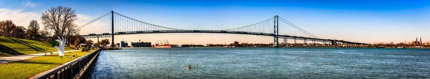 Detroit-Brücke in Windsor-Stadt, Ontario, eine internationale Grenze zwischen US und Kanada stockfoto