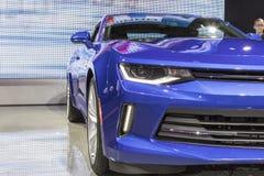 DETROIT - 17 DE ENERO: El Chevrolet Camaro 2017 en el Ame del norte fotos de archivo