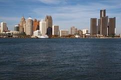 Detroit horisont över Detroitet River från Kanada November 2016 Arkivfoton