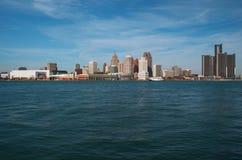 Detroit horisont över Detroitet River från Kanada November 2016 Royaltyfri Fotografi