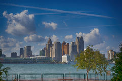 Detroit horisont från Windsor Royaltyfria Foton