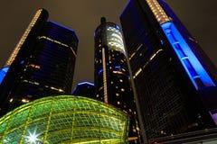 Detroit i stadens centrum strandskyskrapa på natten Royaltyfria Foton