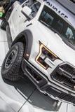 DETROIT - JANUARI 17: Den Ford Raptor pickupet 2017 på net Royaltyfria Bilder