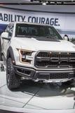 DETROIT - JANUARI 17: Den Ford Raptor pickupet 2017 på net Arkivfoton