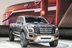 DETROIT - JANUARI 17: Den Nissan Titan Pickup lastbilen 2017 på Arkivfoton