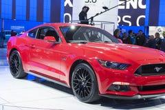 DETROIT - JANUARI 26: Nieuwe 2015 Ford Mustang bij het Noorden Ame Stock Fotografie