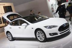 DETROIT - JANUARY 26 :The new 2015 Tesla Model S  full-sized ele Royalty Free Stock Images