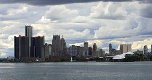 Detroit linia horyzontu od belle wyspy przy półmrokiem 4K zbiory wideo