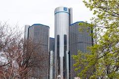 DETROIT MI - MAJ 8: Den General Motors världen förlägger högkvarter var majoriteten av GM-operationer baseras i i stadens centrum Arkivfoton