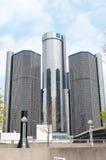 DETROIT MI - MAJ 8: Den General Motors världen förlägger högkvarter var majoriteten av GM-operationer baseras i i stadens centrum Royaltyfria Bilder