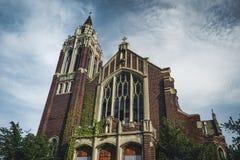 Detroit, Michigan, el 18 de mayo de 2018: Vista exterior de St abandonado y dañado Inés de la iglesia en Detroit fotografía de archivo libre de regalías