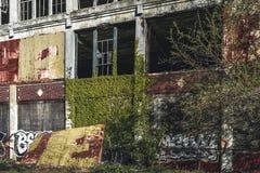 Detroit Michigan, Förenta staterna - Oktober 2018: Sikt av den övergav Packard automatiska växten i Detroit Packarden arkivfoto